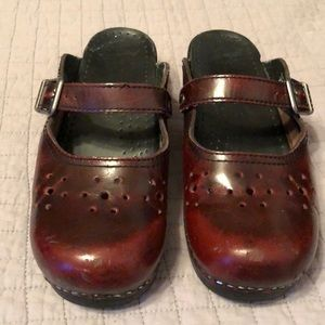 Dansko burgundy clogs